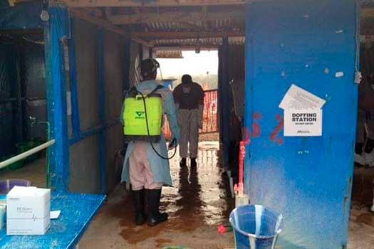 Ebola doffing station